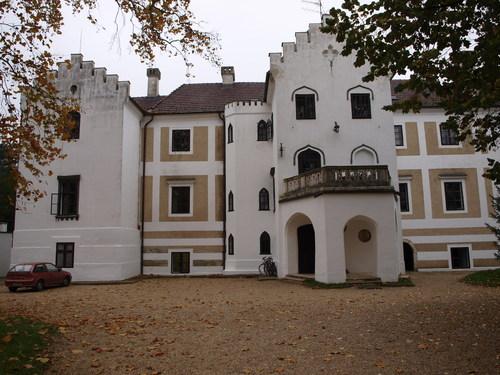 Bezeredi Castle