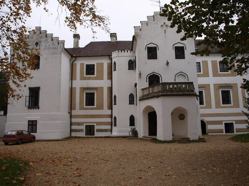 Bezeredj Castle